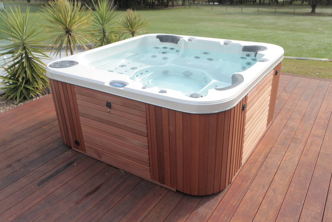 Sapphire Spa Pools | mySpa@Home | Call 1300 069 772